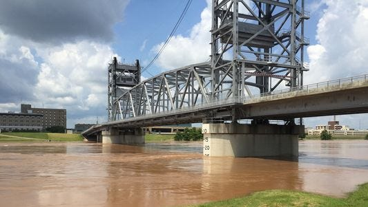 Heads up, commuters! The Jackson Street Bridge, formally known as the Gillis W. Long Bridge, will be closed to all traffic — vehicular and foot — beginning Tuesday through Thursday night.
