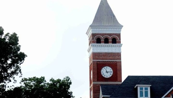 Off-campus Clemson party increases racial tension