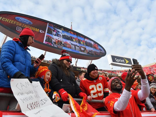 Kansas City Chiefs outside linebacker Tamba Hali (91)