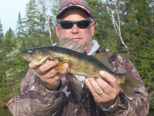 635796676429214942-walleye-central