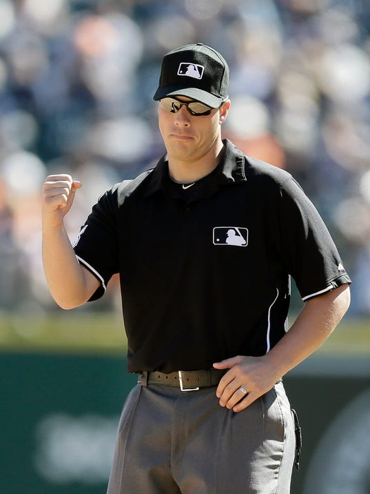 Stu Scheurwater becomes full-time major league umpire