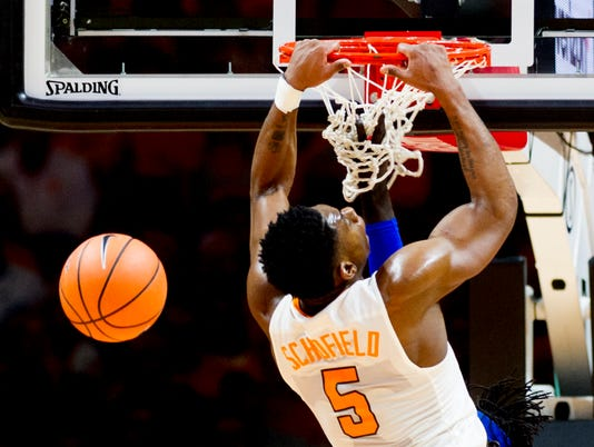 UT basketball vs UK