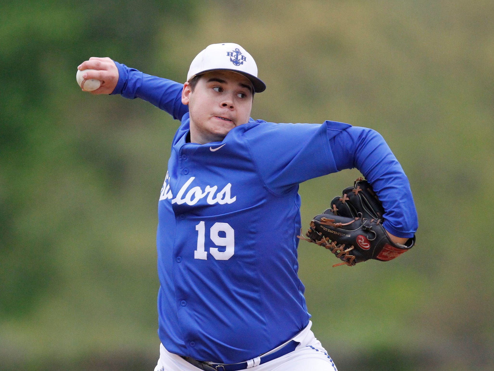 Hen Hud pitcher Boomer Vigliotti (19) works the mound during their 6-2 win over Nanuet at Sunset Park in Montrose on Thursday, May 05, 2016.