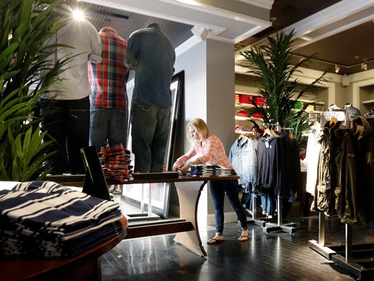 """Abercrombie & Fitch's """"look policy"""" for employees is"""
