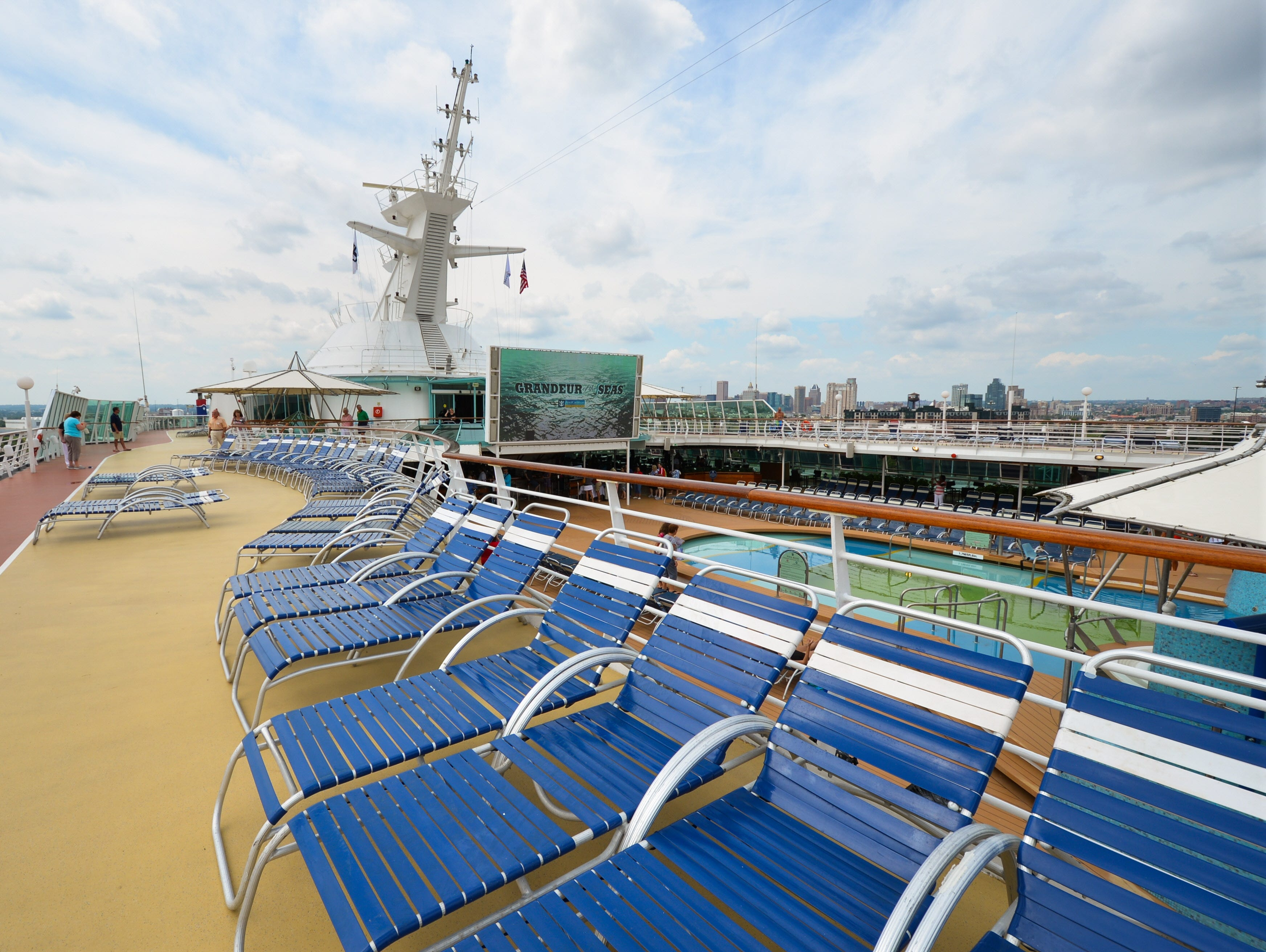 In addition to holding more deck chairs, Deck 10 doubles as a jogging track.