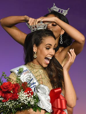 Miss Delaware 2018 Joanna Wicks is crowned by Miss Delaware 2017 Chelsea Bruce.