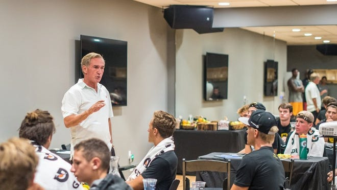 COURTESY OF SPORTS ACADEMY Former NFL head coach Mike Shanahan speaks to high school quarterbacks at the Mike Shanahan QB Masters Project at the Sports Academy in Newbury Park this week.
