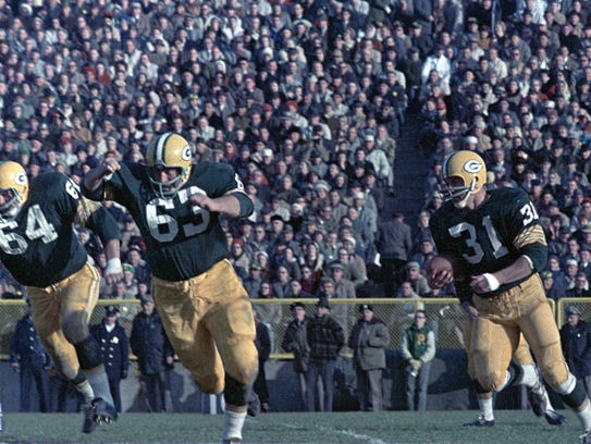 Packers guards Jerry Kramer (64) and Fuzzy Thurston