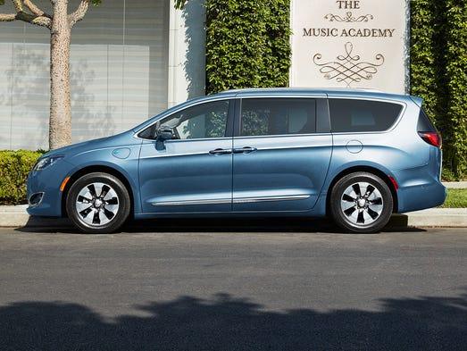 The new 2017 Chrysler Pacifica Hybrid has a whole different
