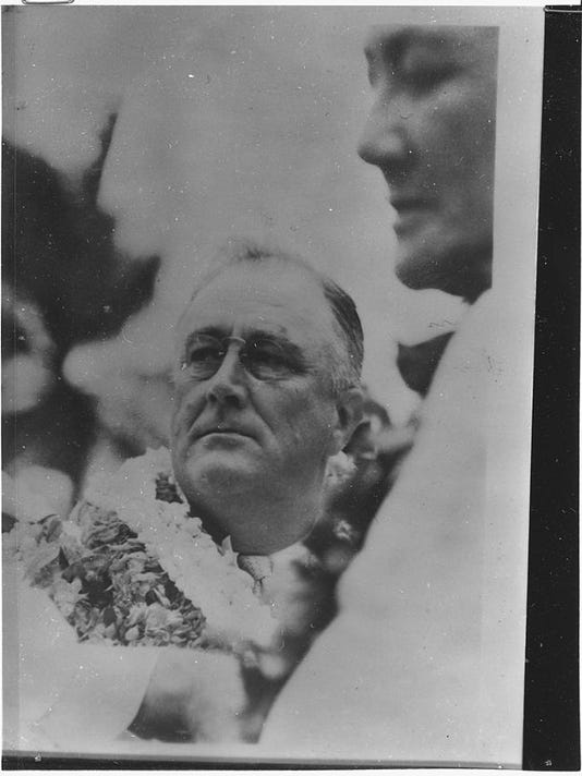 Franklin_D._Roosevelt_in_Hawaii_-_NARA_-_196498.jpg