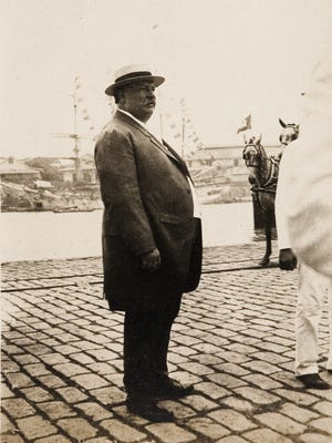 Secretary of War William Howard Taft arrived in Manila, the Philippines, where he had been the first civil governor, as part of his diplomatic mission to Asia in 1905.