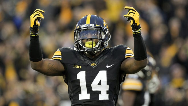 Iowa's Desmond King hypes up the crowd a 31-15 win over Maryland.