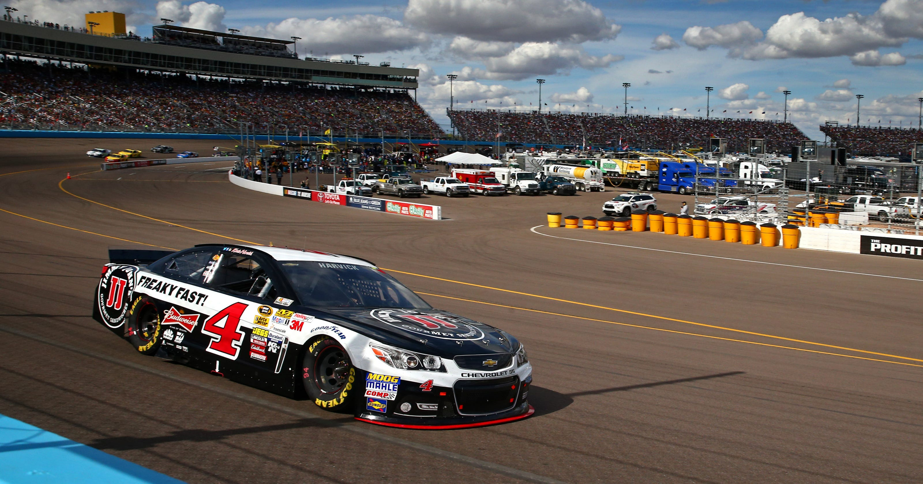 NASCAR at Phoenix: Start time, lineup, TV schedule