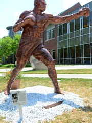 Larry Holmes statue created by Brian Hanlon
