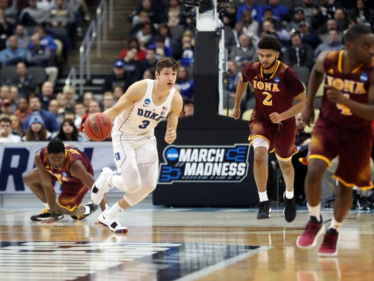 Duke Blue Devils guard Grayson Allen (3) brings the