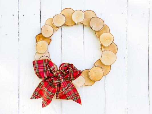 636481781854905671-Wood-log-wreath-CJ1A9008.jpg