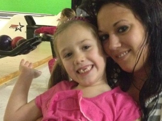 Desirae Hensley and her daughter, Jakyra Cundiff.