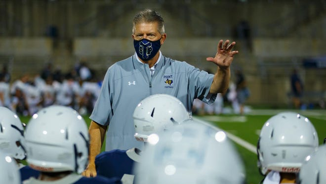 Stony Point's Jaden Leonard finds an opening in Bowie' defense. Stony Point won a nondistrict football game 30-27 over Bowie at Reeves Athletic Complex on Thursday.
