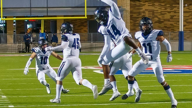 After postponing its game against Leander on Monday, Hendrickson's football team will play the Lions later this week with a playoff spot on the line.