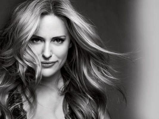 Aimee-Mullins-Official-Headshot.jpg