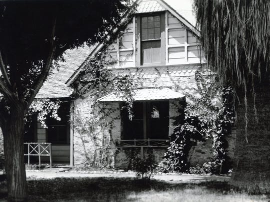Palm Springs Hotel, circa 1905.