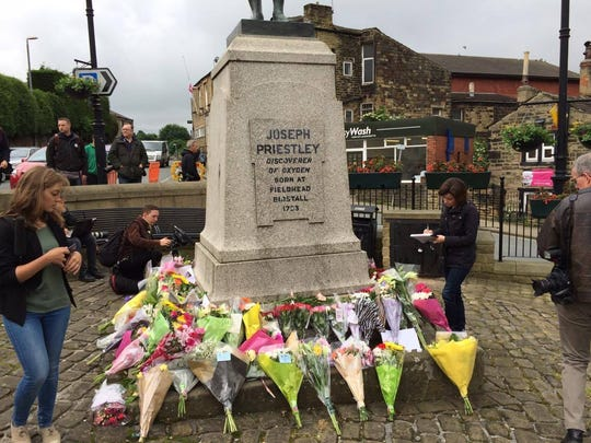 Tributes to Jo Cox in Birstall.