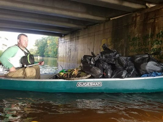 636596601803921552-River-clean-up.jpg