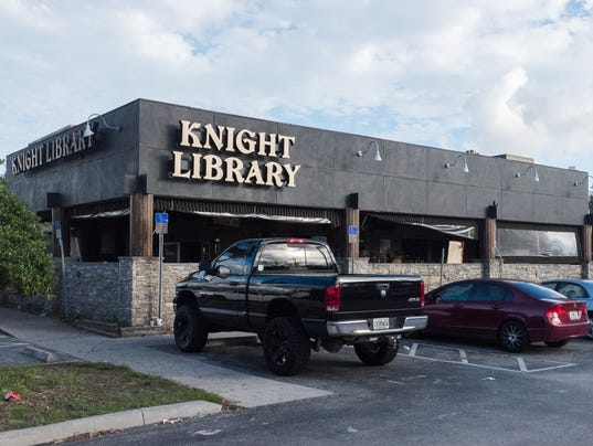 635672912168133373-UCF-Buildings-Knight-Library-day