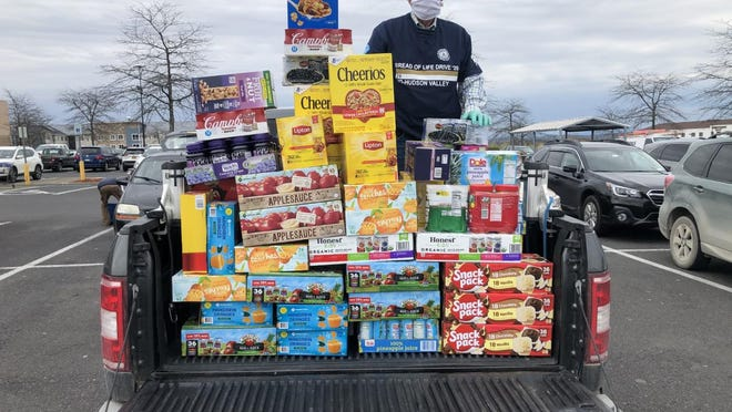 Catholic Charities of Orange, Sullivan, and Ulster was the grateful beneficiary of a donation of more than 1,500 non-perishable food items from the Notre Dame Club of the Mid-Hudson.