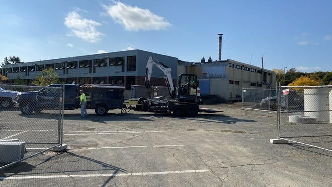 Construction has started at the former Belmonte Middle School building, which will be renovated to become an upper elementary school for grades two to five. Courtesy photo