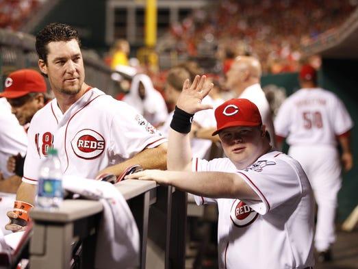 Cincinnati reds bat Boy down Syndrome Video downloads