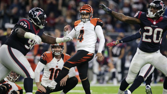 Cincinnati Bengals kicker Randy Bullock (4) reacts after missing a 43-yard field goal as time expires at the Houston Texans.