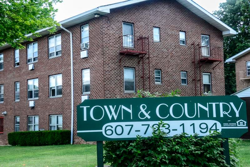 Binghamton Officials Find 20 Code Violations At Town U0026 Country Apartments