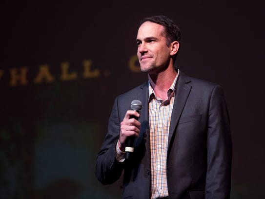 Tennessee offensive coordinator/quarterbacks coach