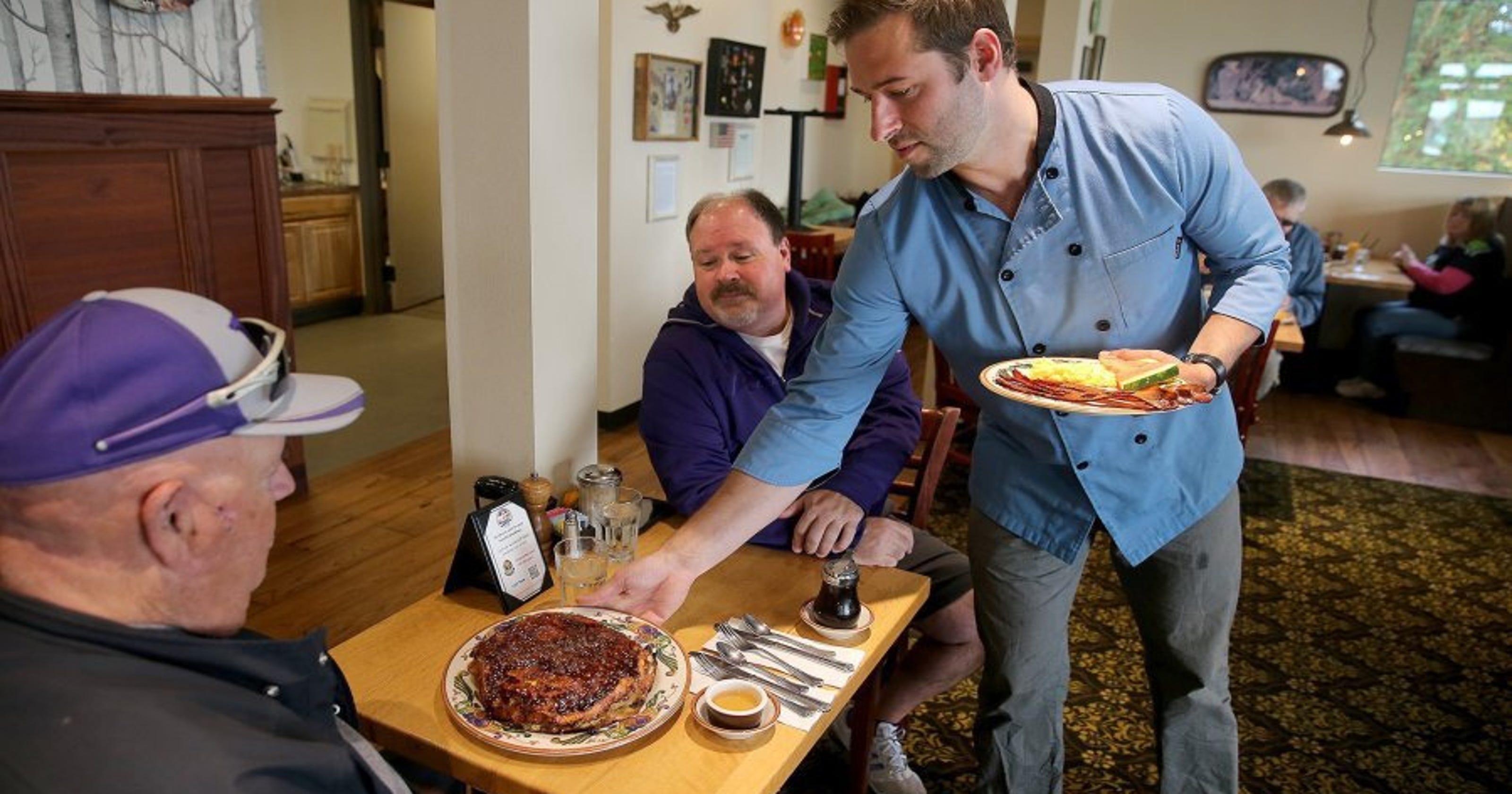 Oak Table Offers Highend Downhome Food - Oak table restaurant silverdale