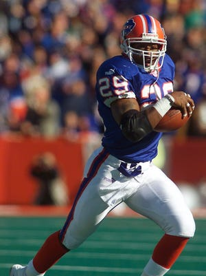 Keion Carpenter in game against the New York Jets on Oct. 29, 2000.