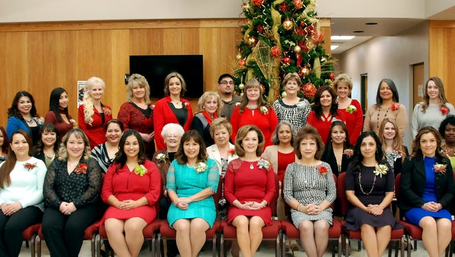 The staff at 1st New Mexico Bank would like to wish all in the community happy holidays. The holidays are a special time of year for 1stNMB. They sponsor the annual Thanksgiving Dinner at the Deming Senior Citizen's Center and also schedule a visit from Santa each year for families in the community.