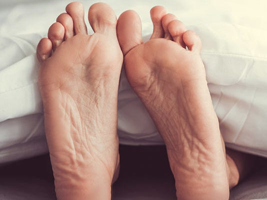 smelly-feet-GettyImages-683417972-feature-850x400.jpg
