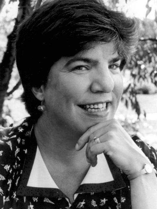 Lucinda Thayer, UWSP Lifetime Achievement Award.jpg