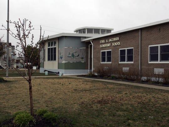 -ASBBrd_01-11-2012_PressOc_1_B001~~2012~01~10~IMG_-schools0331s.jpg_20_1_1_8.jpg
