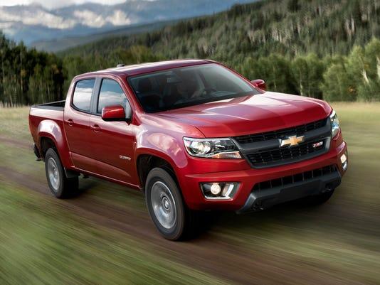 2015-Chevrolet-ColoradoZ71-012 (1)