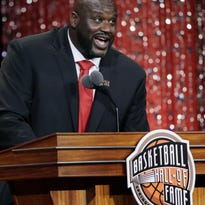 Shaq shows up for epic basketball game with kids