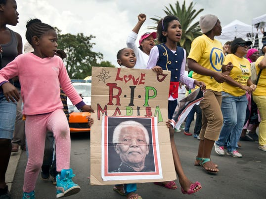 AP APTOPIX South Africa Mandela Mourning