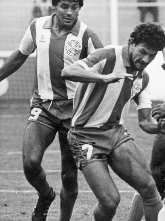 Roberto Cabanas, who played for Cosmos, Paraguay, dies at 55