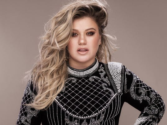 636403771473301692-Kelly-Clarkson---credit-Vincent-Peters.jpg