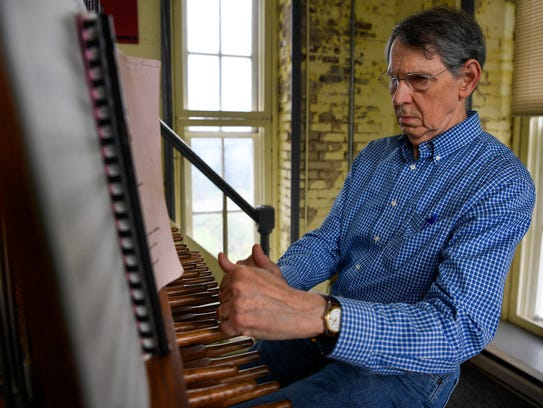 Dr. Richard Shadinger plays the Carillon in the Belmont