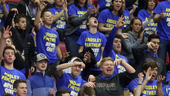 Fans cheer as Ardsley advanced to Sunday's championship
