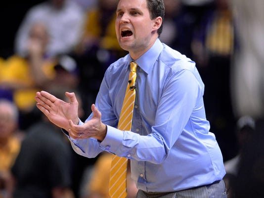 LSU coach Will Wade applauds during the team's NCAA college basketball game against Vanderbilt on Tuesday, Feb. 20, 2018, in Baton Rouge, La. (Hilary Scheinuk/The Advocate via AP)