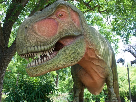 Dinosaurs are returning to the Milwaukee County Zoo.jpg