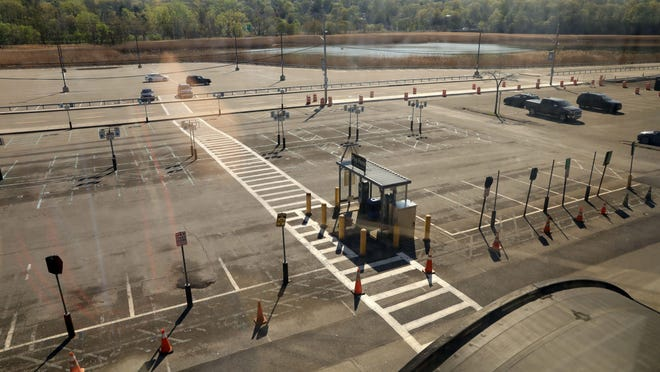 A nearly empty commuter lot at the CrotonÐHarmon station May 4, 2020.